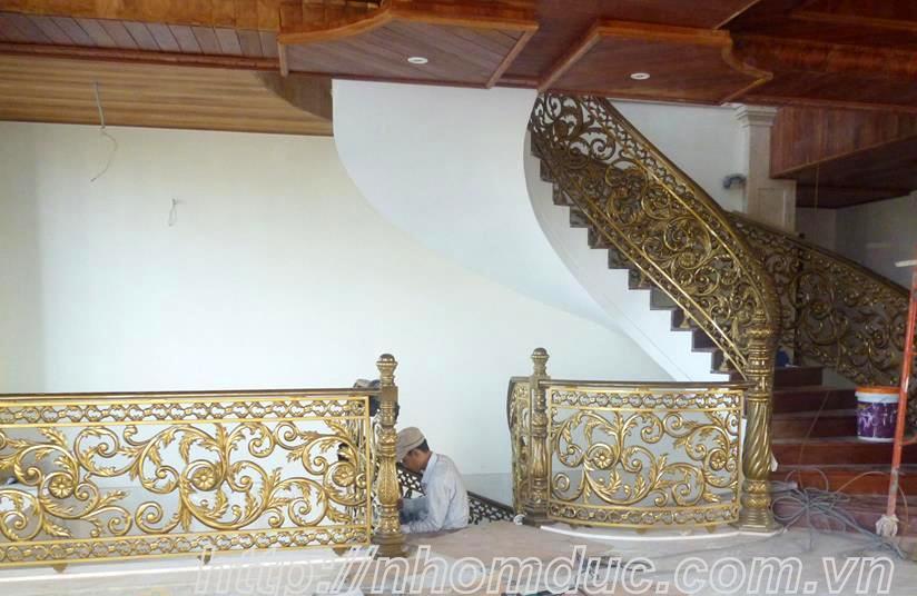 Cầu thang hợp kim nhôm đúc chuyên dùng cho biệt thự, cầu thang nhôm đúc