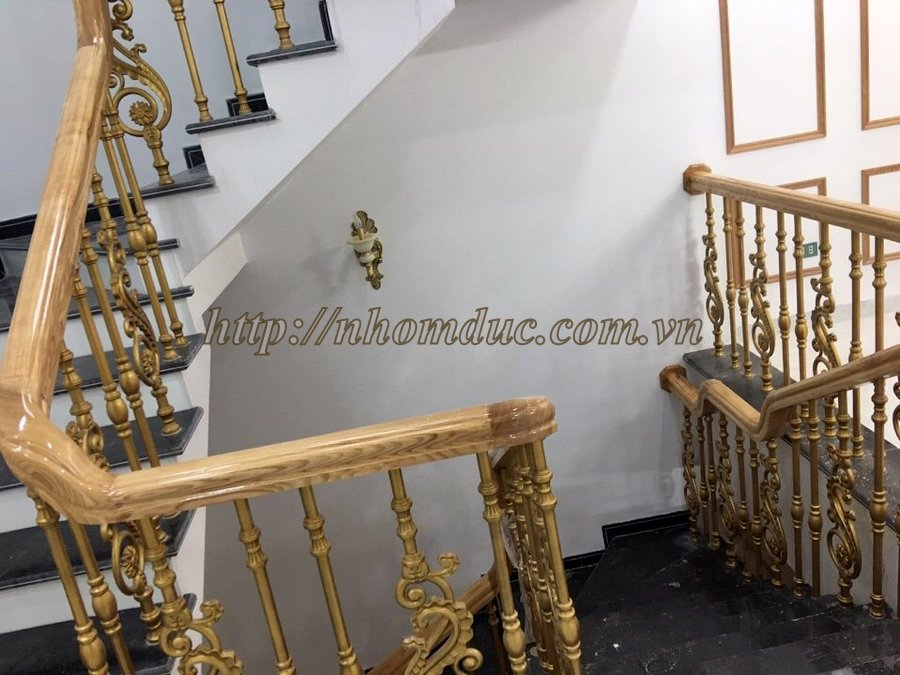 Cầu thang nhôm đúc, Cầu thang hợp kim nhôm đúc với nhiều nét sang trọng là cầu thang đẹp và bền