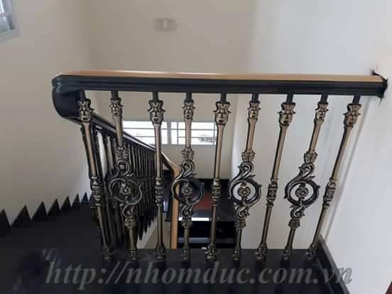 Cầu thang hợp kim nhôm đúc CT 119, cầu thang nhôm đúc hợp kim Fuco có nhiều ưu điểm vượt trội, bền đẹp, thẩm mỹ, sang trọng, bền với thời gian