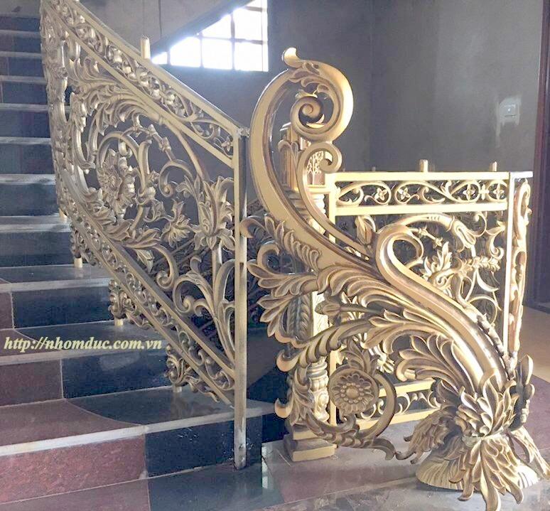 Cầu thang hợp kim nhôm đúc với nhiều nét sang trọng là cầu thang đẹp và bền, cầu thang nhôm đúc có giá phải chăng.