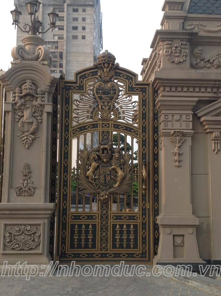 Báo giá cổng nhôm đúc, lan can, cầu thang, hàng rào, hộp đèn, trụ nhôm đúc với giá thành cạnh tranh.