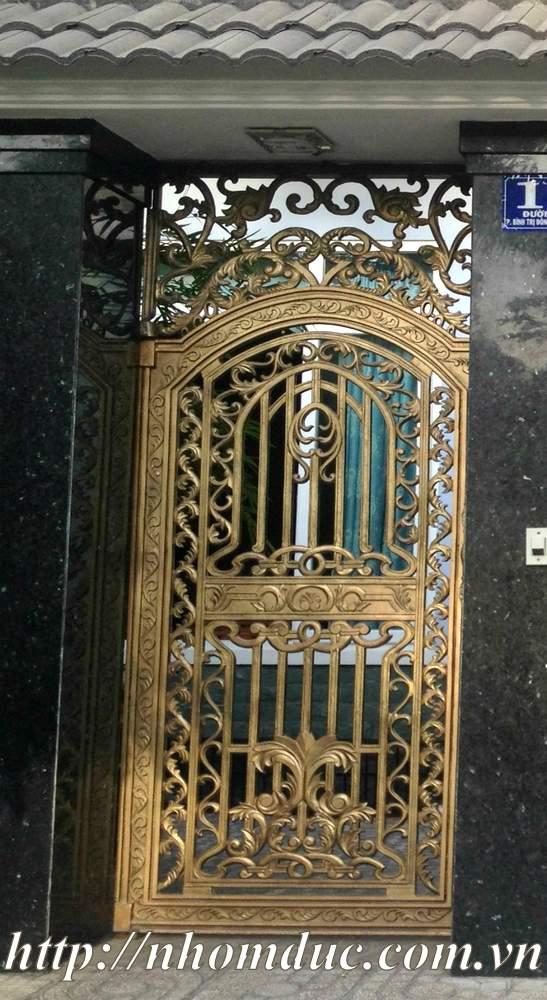 giá các loại cổng nhôm đúc ghép khung inox, giá các loại cửa cổng nhôm đúc nguyên cánh Fuco cao cấp nhất hiện nay
