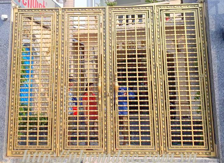Mẫu cổng nhôm đúc dạng thoáng Hà Nội 4