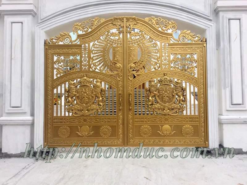 Báo giá cửa cổng đúc đặc