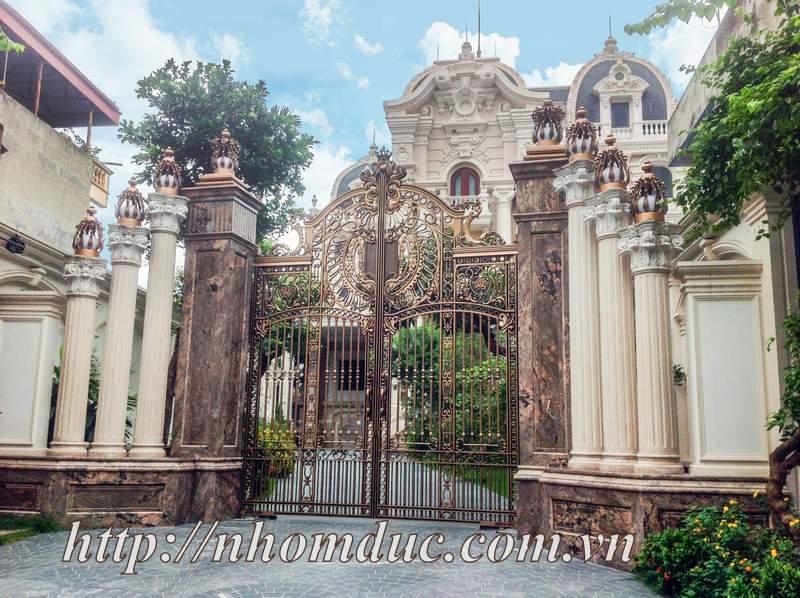 Chiêm ngưỡng cổng biệt thự, tường rào cầu kỳ
