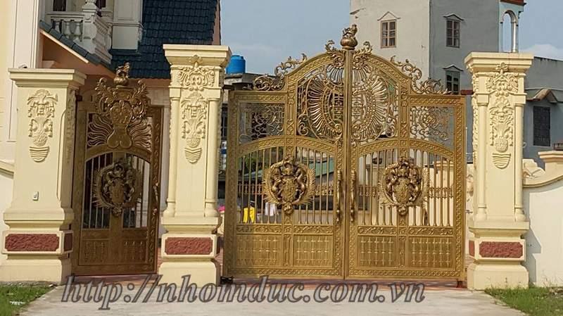 Mẫu cửa cổng hợp kim nhôm đúc