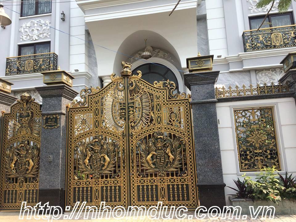 Cửa cổng hợp kim nhôm đúc được nhiều khách hàng lựa chọn cho ngôi nhà