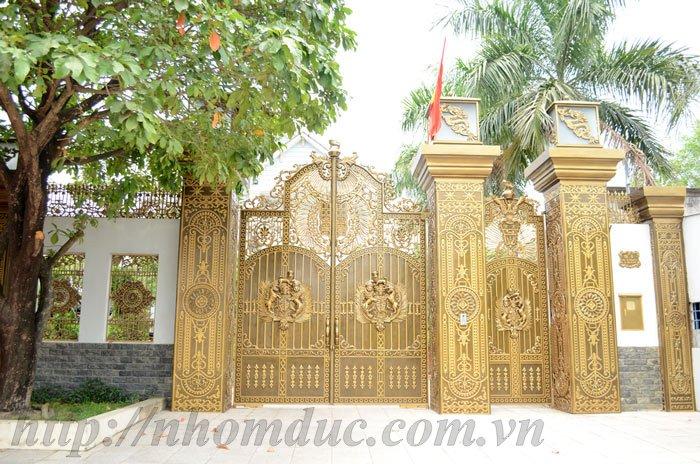 Lắp đặt cổng cửa nhôm đúc, mẫu cổng nhôm đúc đẹp cho biệt thự