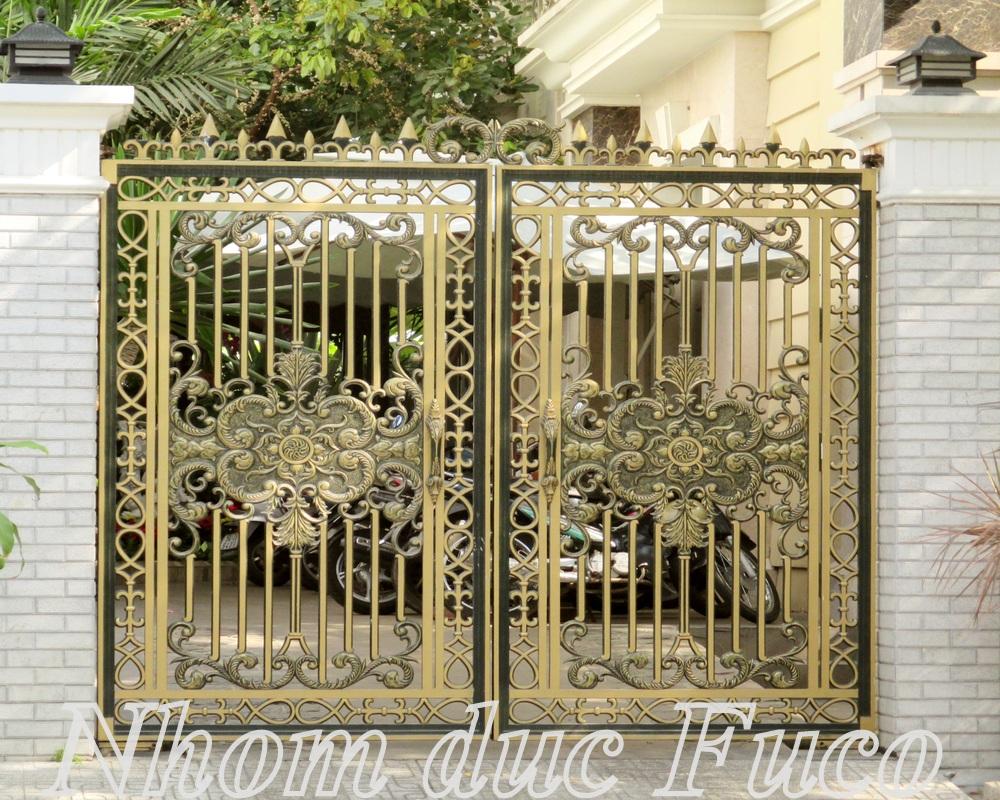 Cửa cổng hợp kim nhôm đúc được nhiều khách hàng lựa chọn cho ngôi nhà có kiến trúc đẹp