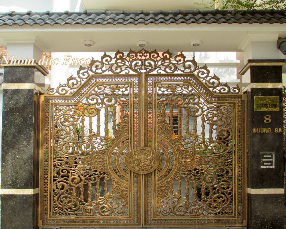 Cổng nhôm đúc biệt thự tại Hồ Chí Minh