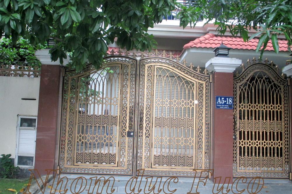chiếc cổng nhà đẹp, cổng đúc đẹp