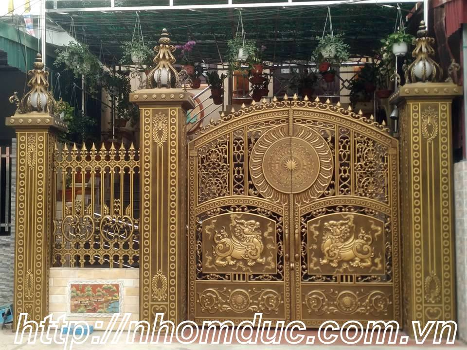 Mẫu cửa cổng nhôm đúc hợp kim đẹp nhất