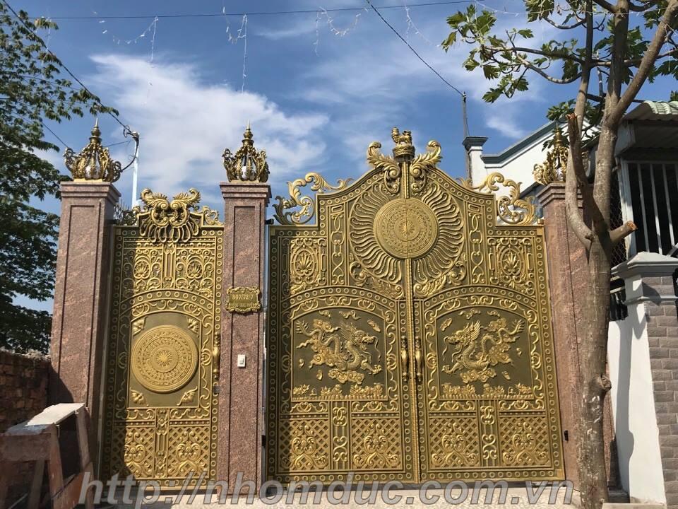Mẫu cổng nhôm đúc tự động biệt thự nhà phố đẹp nhất
