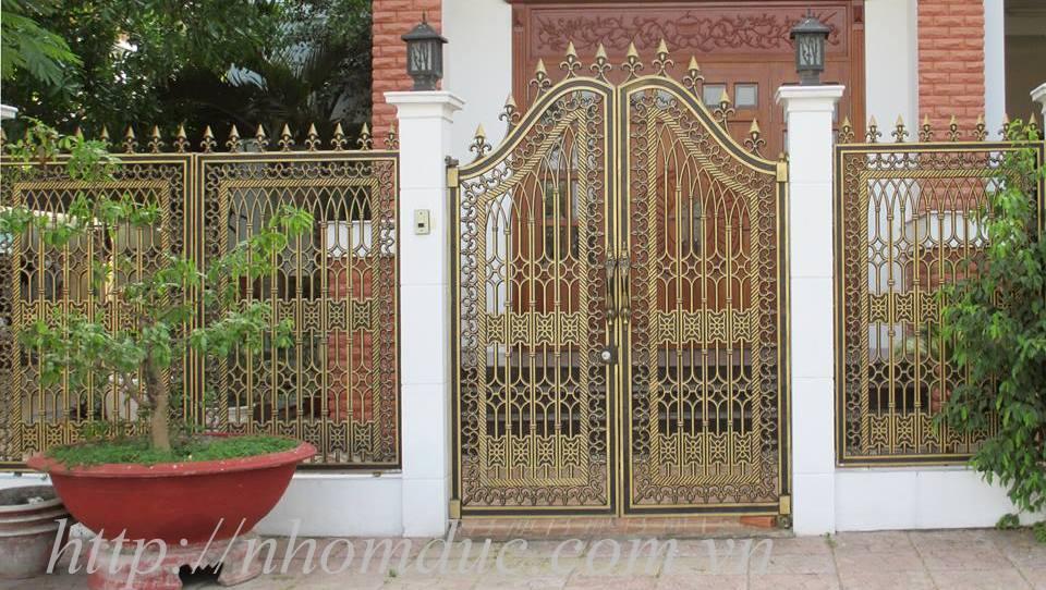 Cổng biệt thự Hà Nội, Cổng nhôm đúc, các dòng sản phẩm nhôm đúc như cửa nhôm đúc, cổng nhôm đúc, cổng biệt thự nhôm đúc cao cấp Nhật Bản
