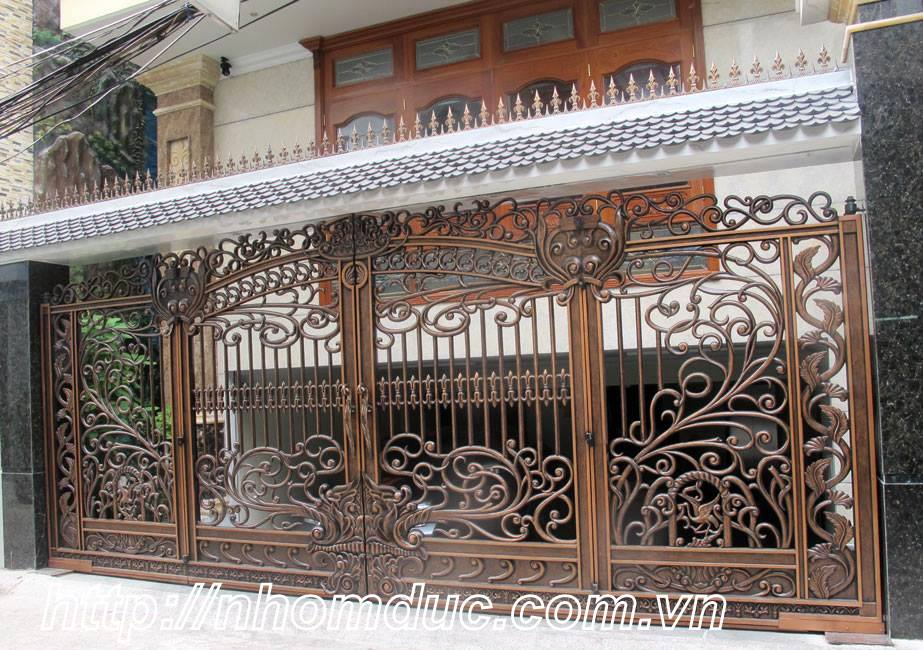 chuyên sản xuất cổng nhôm đúc đẹp thể hiện đẳng cấp cổng nhôm đúc biệt thự