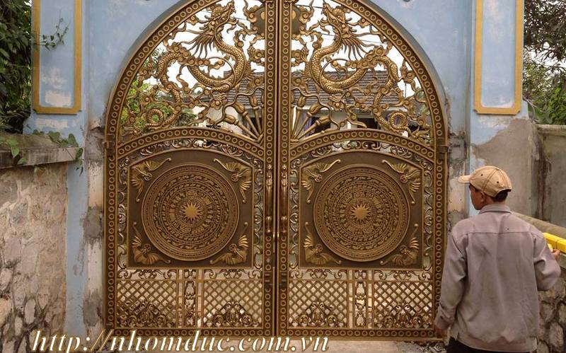 Chúng tôi chuyên sửa chữa tận nơi các lan can, cầu thang, cổng, hàng rào đảm bảo chất lượng cổng nhôm nhà chùa.