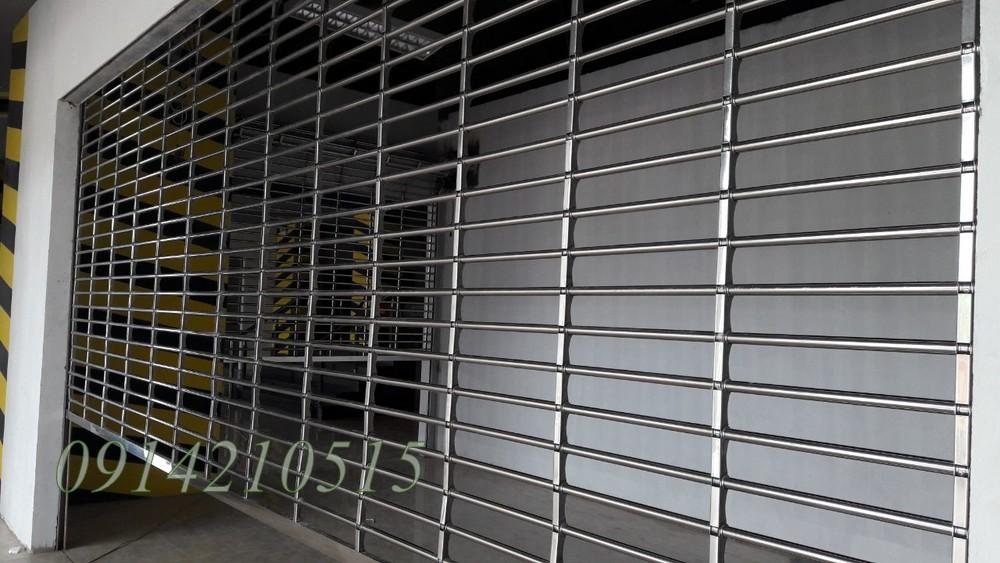 cửa cuốn inox 304
