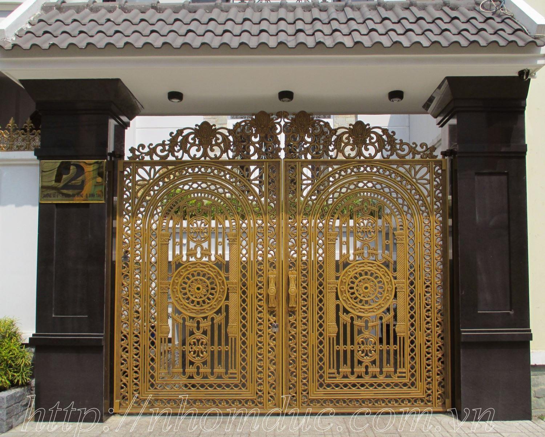 cổng nhôm đúc phù điêu, Cửa cổng nhôm đúc Fuco mẫu mã đẹp