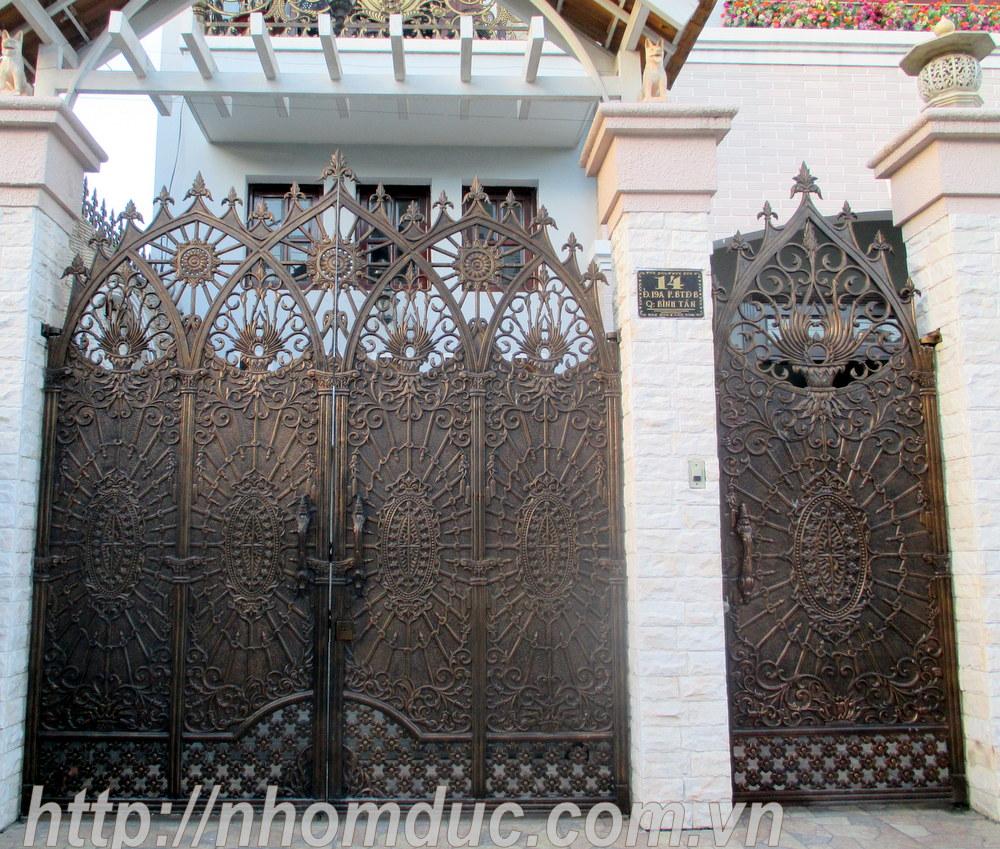 Báo giá cổng, cửa nhôm đúc