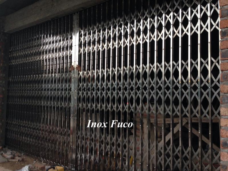 Các sản phẩm cửa xếp INOX 201 và cửa xếp INOX 304 Fuco có chất lượng cao nhất hiện nay. Ngoài ra còn có các loại cửa cổng INOX Fuco khác