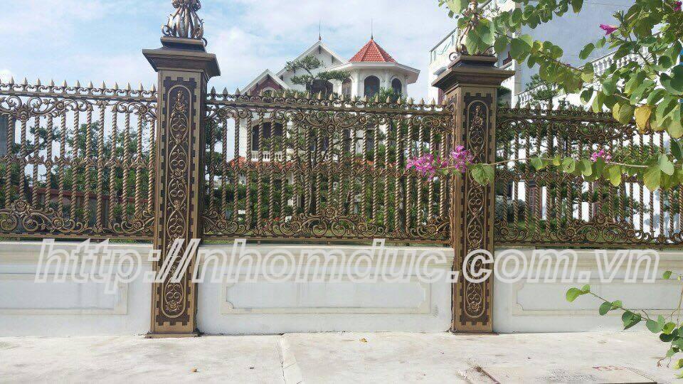 cửa cổng biệt thự nhôm đúc Fuco TP.HCM
