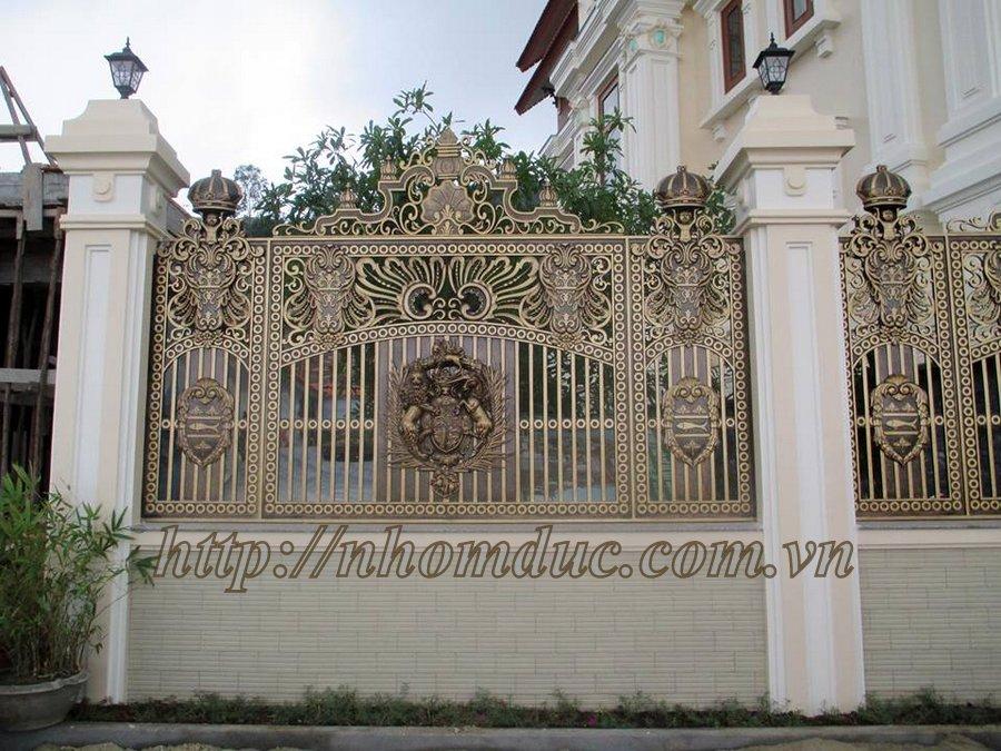 cửa cổng biệt thự nhôm đúc Fuco Đà Nẵng