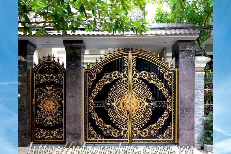 Mẫu cổng nhôm đúc biệt thự hiện đại