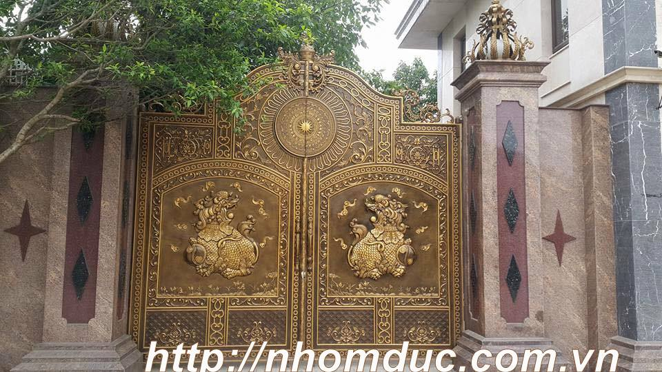 Mẫu Cổng Nhôm Đúc Cho Lâu Đài