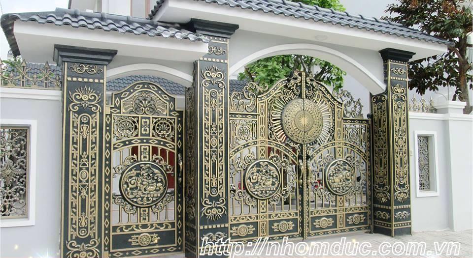 Nhôm đúc biệt thự, thường được sử dụng cho biệt thự đẹp. Sản phẩm cổng nhôm đúc đặc, nhôm đúc ghép