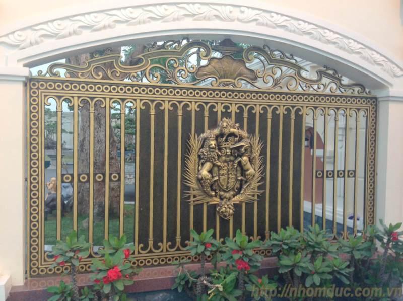 Cổng nhôm đúc, các dòng sản phẩm nhôm đúc như cửa nhôm đúc, cổng nhôm đúc, cổng biệt thự nhôm đúc cao cấp Nhật Bản