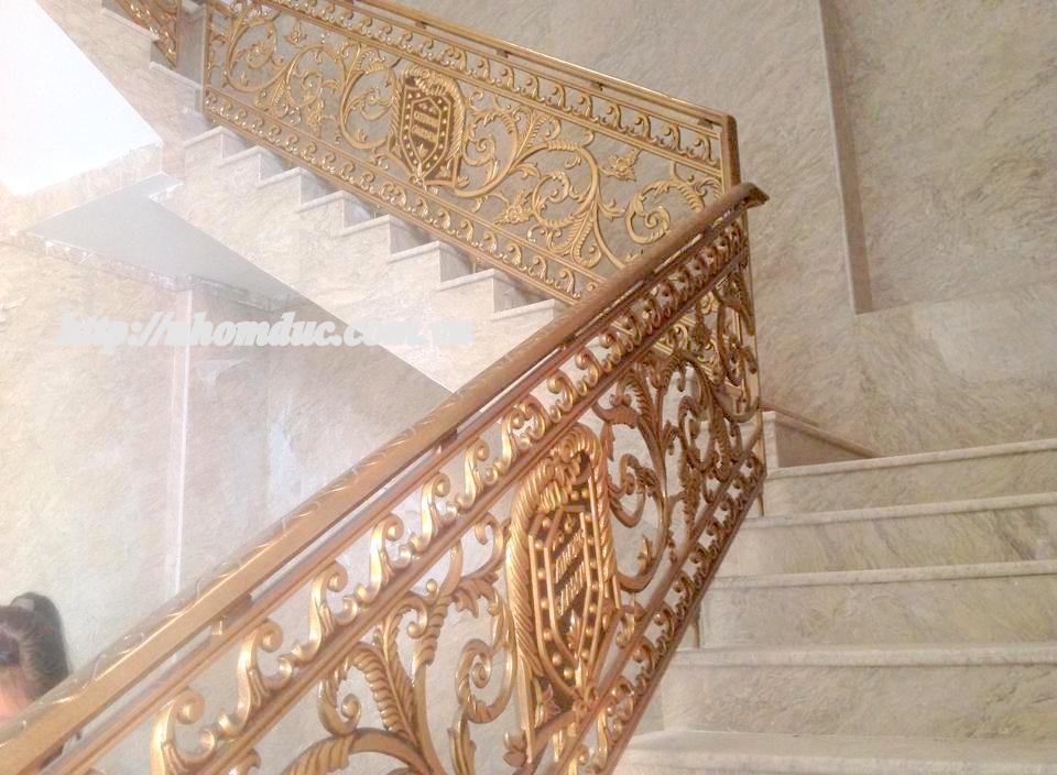 Cầu thang nhôm đúc Fuco. Cầu thang hợp kim nhôm đúc Cầu thang hợp kim nhôm đúc Sản phẩm cầu thang nhôm đúc sản xuất với quy trình