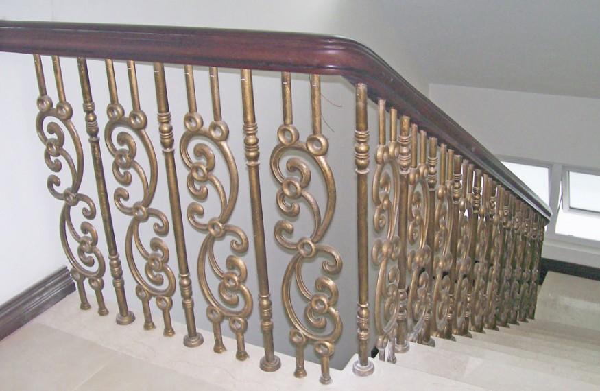 Cầu thang nhôm đúc Fuco. Cầu thang hợp kim nhôm đúc Cầu thang hợp kim nhôm đúc Sản phẩm cầu thang nhôm đúc sản xuất với quy trình được giám sát
