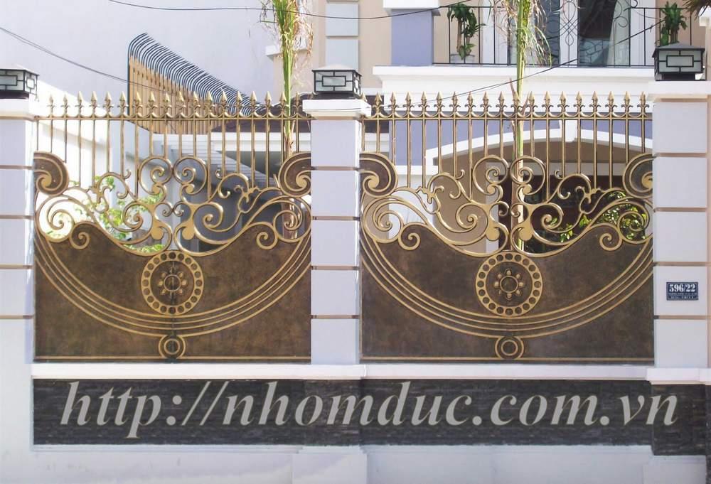 Hàng rào được đúc bằng hợp kim nhôm, có độ bền vĩnh cửu