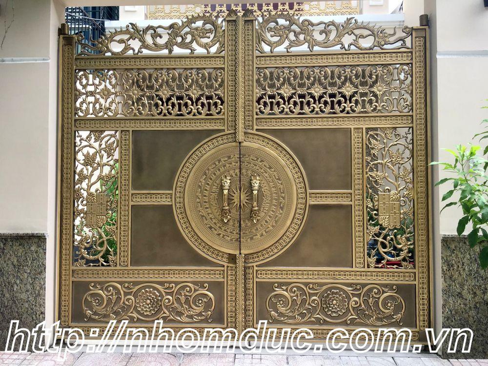 Mẫu cổng nhôm đúc trống đồng