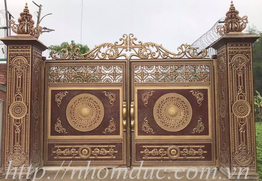 cổng nhôm đúc đẹp, các mẫu cổng nhôm đúc đẹp, như cổng nhôm đúc buckingham đẹp. cổng nhôm đúc trống đồng đẹp