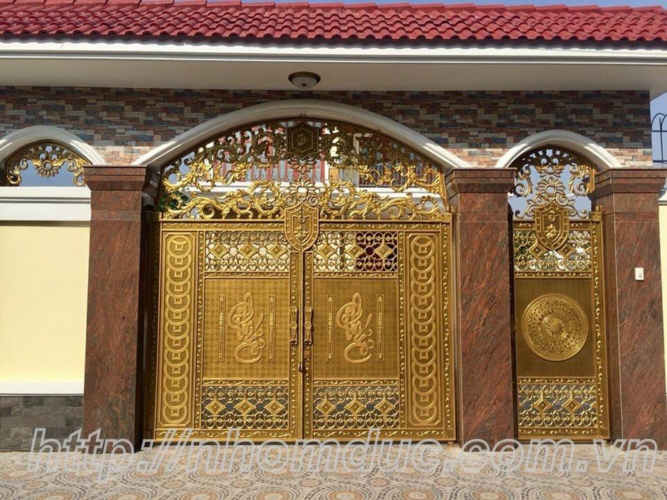 Báo giá cửa cổng đúc