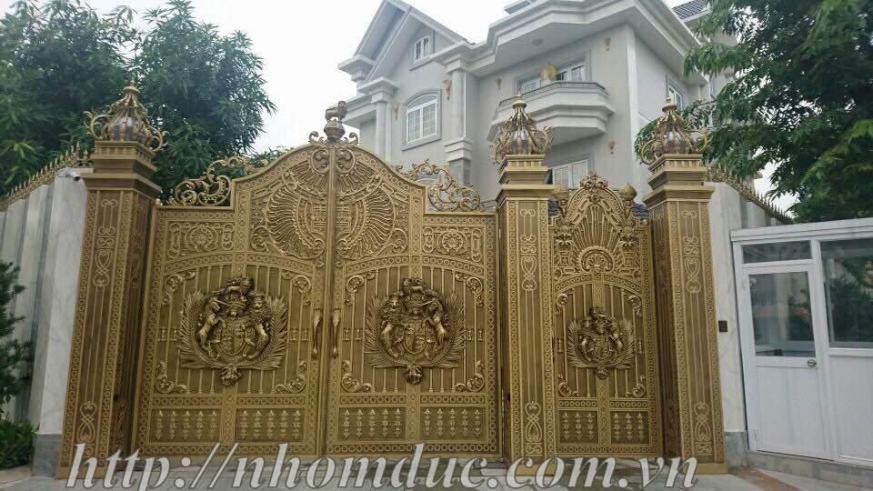 Mẫu cửa cổng đúc hợp kim