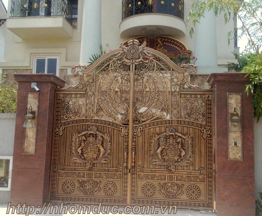 Xin các mẫu cổng nhà đẹp, cổng nhôm đúc đẹp