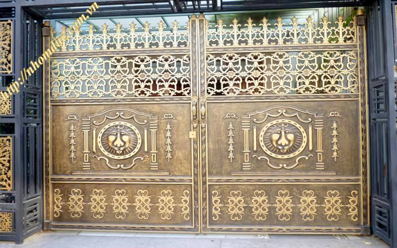 Cửa cổng hợp kim nhôm - Nhôm đúc Fuco