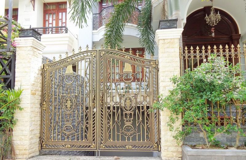 Yếu tố an toàn của cổng nhôm đúc, Ngoài yếu tố thẩm mỹ thì bên cạnh đó cong nhom duc còn được chú ý bởi yếu tố an toàn, một sản phẩm cong nhom duc