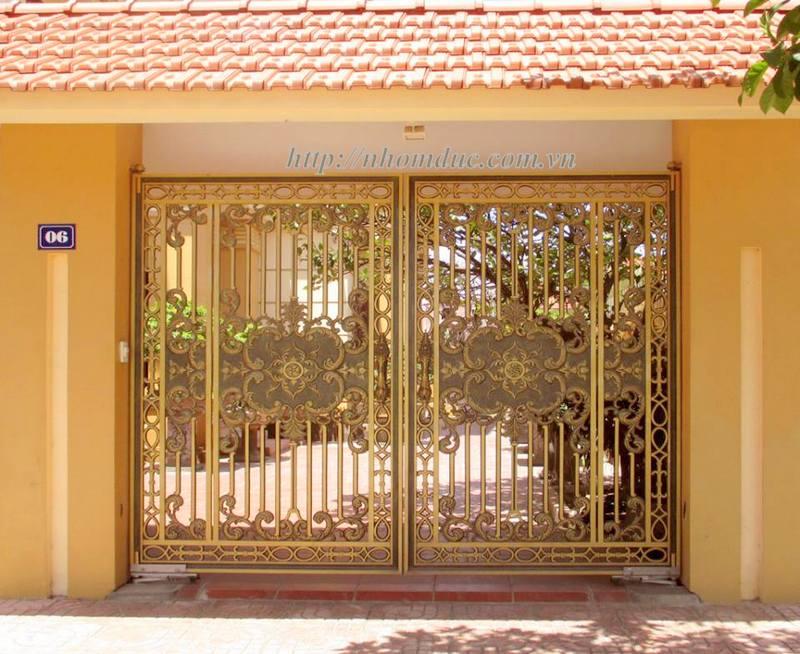 Cong nhom duc là sản phẩm cửa cổng được đúc bằng hợp kim nhôm. Hợp kim nhôm là một trong số rất ít các kim loại có thể đúc