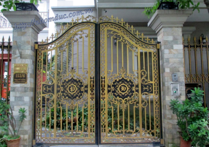 Cổng nhôm đúc là loại cổng được đúc từ hợp kim nhôm có các tính chất sau: - Là các loại hợp kim