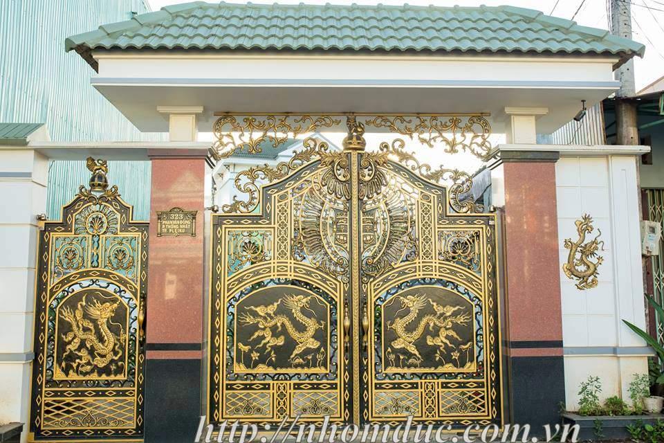 Lắp đặt cổng nhôm đúc hai rồng