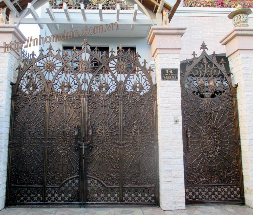 Mẫu cửa cổng nhôm đúc GAT 135