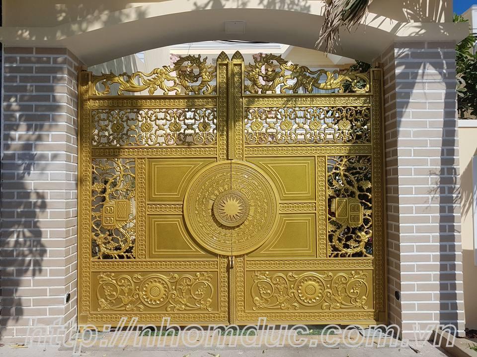 Cổng cửa hợp kim nhôm đúc cao cấp tại Hà Nội, cty Fuco chuyên sản xuất lắp đặt các loại cổng