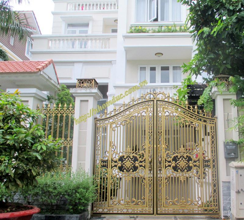 Cửa nhôm đúc biệt thự 1, cty Fuco Chuyên phân phối, lắp đặt cổng nhôm đúc, cửa nhôm đúc, cổng biệt thự, cổng hợp kim nhôm.