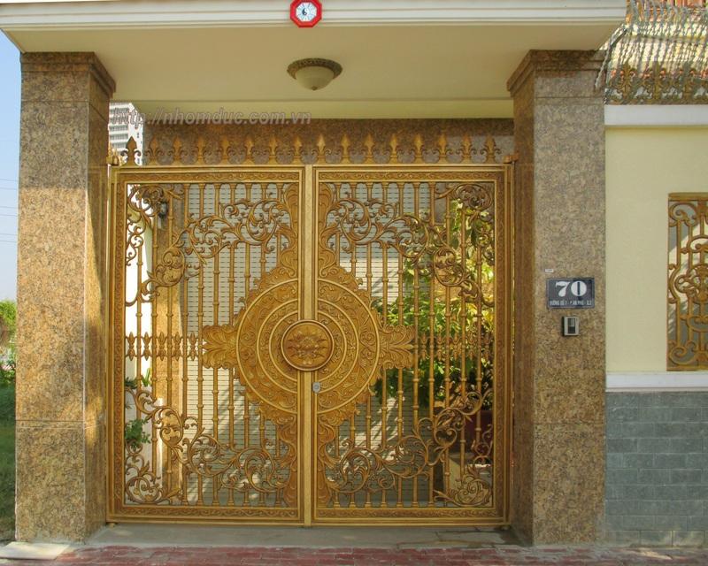 Cổng cửa hợp kim nhôm đúc cao cấp tại Hà Nội, cty Fuco chuyên sản xuất lắp đặt các loại cổng cửa nhôm đúc, chúng tôi lắp đặt nhôm đúc tại các tỉnh thành.