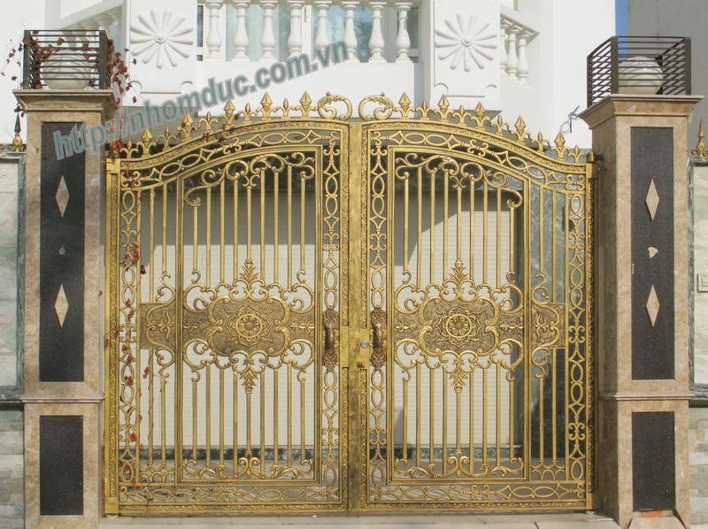 cửa cổng nhôm đúc Fuco mẫu mã đẹp, sản xuất công nghện Nhật Bản, sơn tĩnh điện cao cấp. Cửa nhôm đúc chất lượng cao nhất .