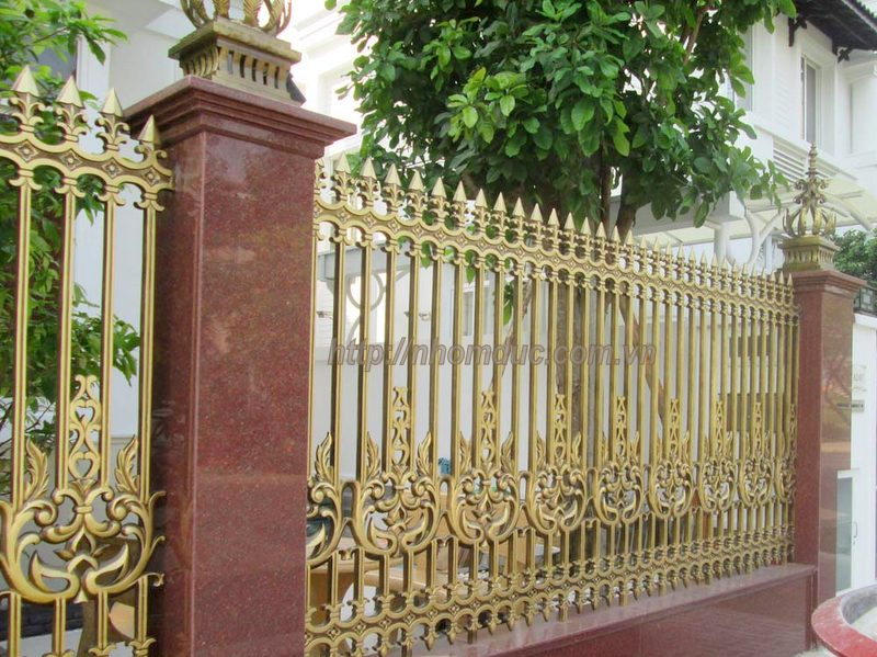 Hàng rào nhôm đúc hợp kim HR 113. Các loại cổng, cửa, hàng rào nhôm đúc hợp kim chất lượng cao. Hàng Rào nhôm đúc sang trọng thẩm mỹ, độ bền cao.