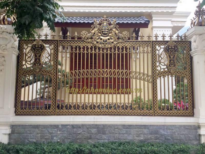 Cổng đúc nguyên cánh.Cổng đúc hoa văn hợp kim nhôm đố Inox,Cửa đi,Hàng Rào,Chông gai.Ban Công.Cầu Thang.Bông cửa sổ.Bông tường thông gió.